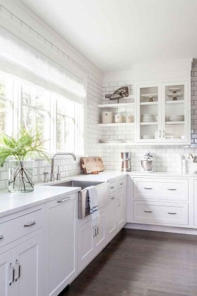 Best White Kitchen Design Ideas That You Need To Copy 35