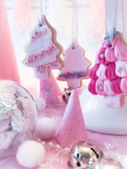 Pretty Pink Winter Tree Decorating Ideas That Looks So Awesome 35