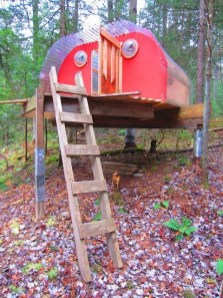 Sparkling Treehouse Design Ideas With Recycled Materials That You Should Have 03