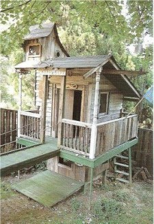 Sparkling Treehouse Design Ideas With Recycled Materials That You Should Have 13