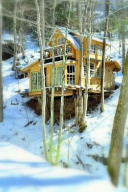 Sparkling Treehouse Design Ideas With Recycled Materials That You Should Have 27