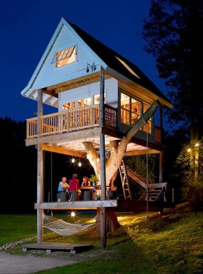 Sparkling Treehouse Design Ideas With Recycled Materials That You Should Have 33