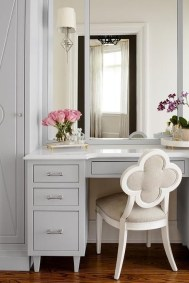 Affordable Home Decoration Ideas With Makeup Vanity That Can Inspire You 10