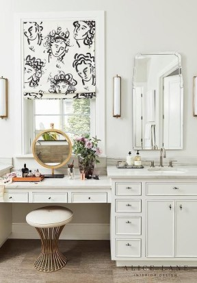 Affordable Home Decoration Ideas With Makeup Vanity That Can Inspire You 35