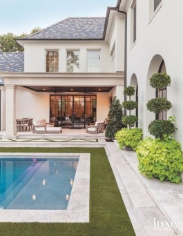 Amazing Classical Terrace Design Ideas To Try This Spring 33