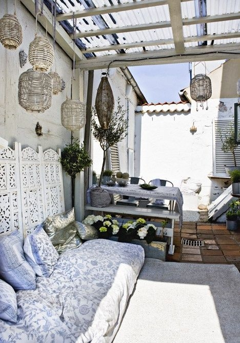 Amazing Classical Terrace Design Ideas To Try This Spring 44