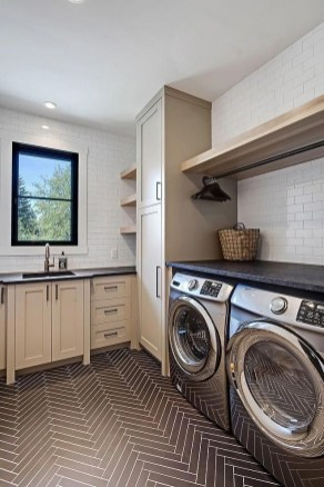 Astonishing Small Laundry Room Design Ideas For Organization To Try 15