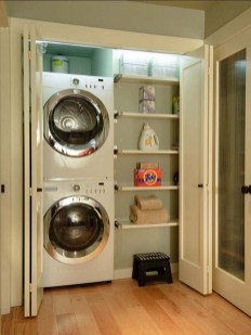 Astonishing Small Laundry Room Design Ideas For Organization To Try 22