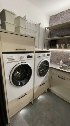 Astonishing Small Laundry Room Design Ideas For Organization To Try 24