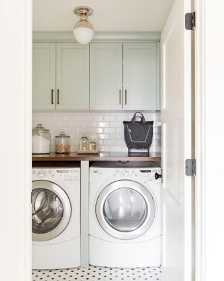 Astonishing Small Laundry Room Design Ideas For Organization To Try 43