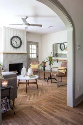 Awesome Living Room Wood Floor Decoration Ideas That You Need To Try 17