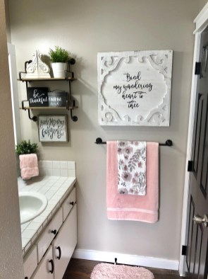 Brilliant Bathroom Wall Décor Ideas That Will Awesome Your Home 16