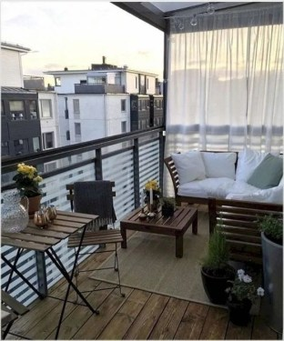 Incredible Small Apartment Balcony Design Ideas On A Budget To Try Asap 17