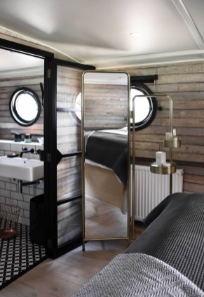 Magnificient Houseboat Design Ideas With Imaginative Dream 26