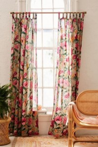 Stunning Bedroom Decoration Ideas With Flower Curtain To Try Right Now 10