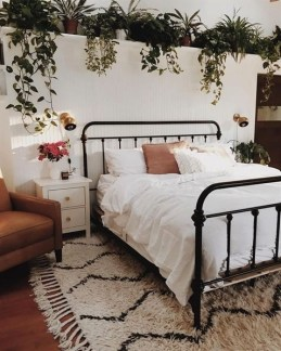 Stunning Bedroom Decoration Ideas With Flower Curtain To Try Right Now 19