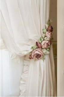 Stunning Bedroom Decoration Ideas With Flower Curtain To Try Right Now 23