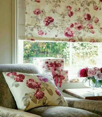 Stunning Bedroom Decoration Ideas With Flower Curtain To Try Right Now 27