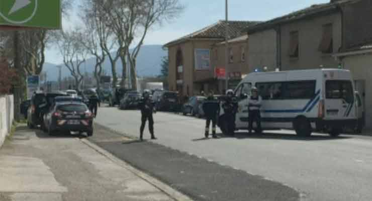 Police officer shot in southern France