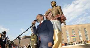 """Greatest apostle of modern history"" – PM hails statesman Aram Manukyan as officials inaugurate Yerevan statue"