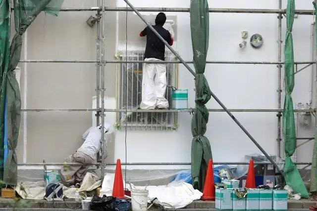 外壁塗装工事後に塗り残しや色ムラを発見した時の対処と対策方法