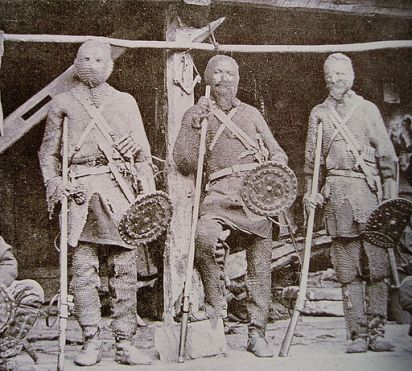 Khevsur_warriors_wearing_their_traditional_armor