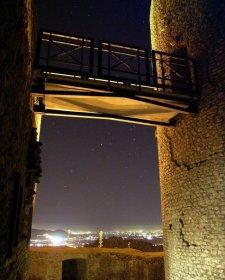 Osservatorio astronomico, Rocca di Cave, sede osservativa del gruppo astrofili Hipparcos. Particolare della torre del castello che ospita il telescopio sociale