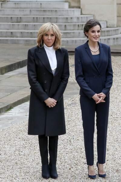 La première dame Brigitte Macron avec la reine Letizia d'Espagne à l'Elysée