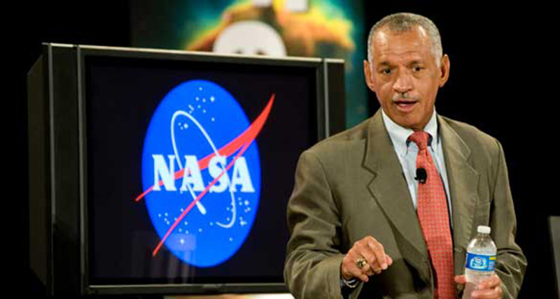 """NASA Chief: """"I've Been To Area 51 And Aliens Exist ..."""