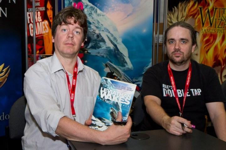comic-con-11-authors-042