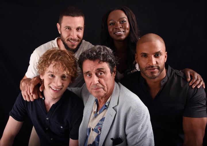 American-Gods-Cast-at-Comic-Con-american-gods-tv-series-39787286-960-675