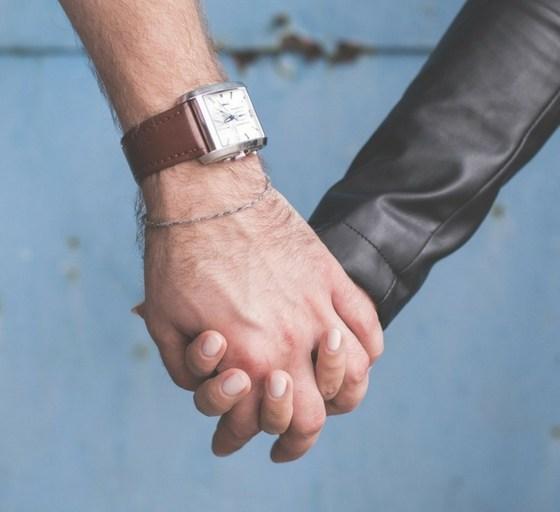trzym mnie za rękę