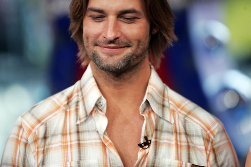 NEW YORK - FEBRUARY 08: (U.S. TABS OUT) Actor Josh Holloway appears on stage during MTV's Total Request Live at the MTV Times Square Studios on February 8, 2006 in New York City. (Photo by Scott Gries/Getty Images)