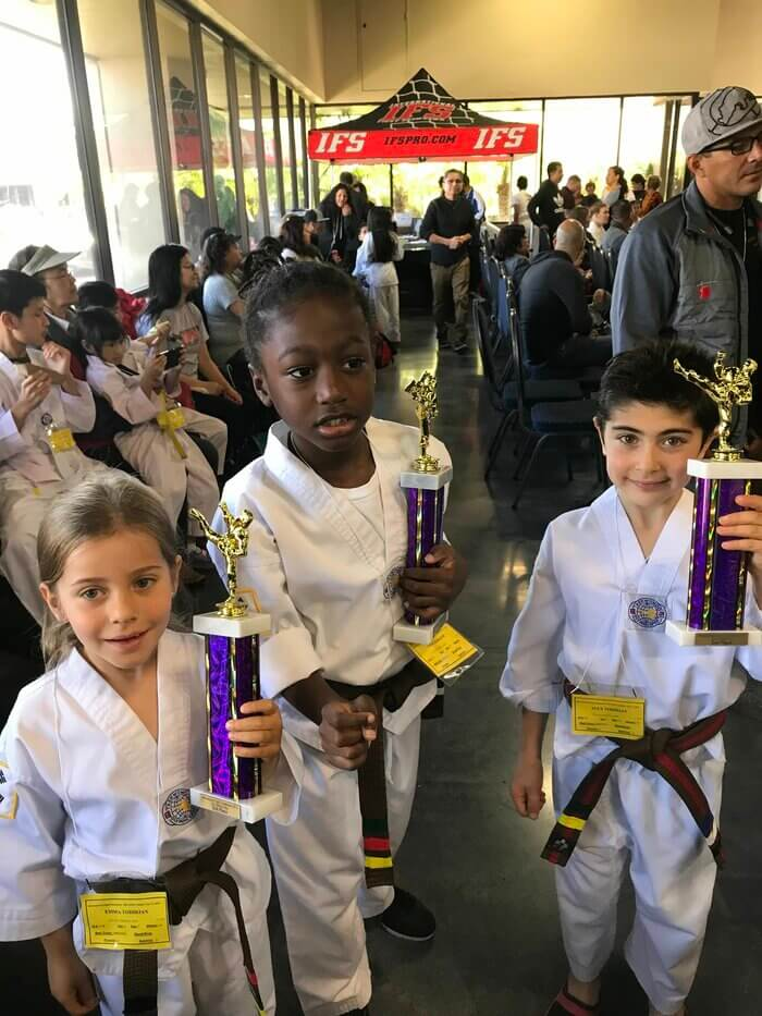 kids win at tae kwon do sparring