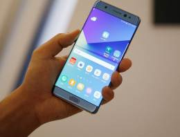Latest Samsung Galaxy Note Review: Razor Sharp Display and Stunning Cameras, but has a Very High Price Tag