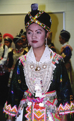 Hmong Costumes In Sheboygan Wisconsin Photos By Galen R