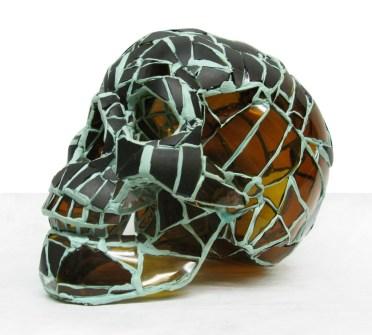 52.- Andres Basurto, Serie Vanitas I, 2013, ensamble de vidrio, 18 x 13 x 20 cm