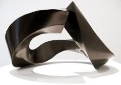 Sebastian, Singularidad trivial, 2014, bronce patinado, 16 x 29.5 x 25.5 cm (2)