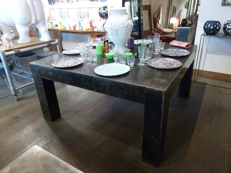 TABLE ARMANI CARRE Tables De Salle Manger Et Mobilier