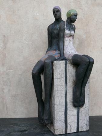 Sylvie du PLESSIS - Couple de baigneurs sur socle noir et blanc -raku-2012