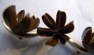 judith-sitbon-broche-fleur-de-jerusalemdetail-300x176