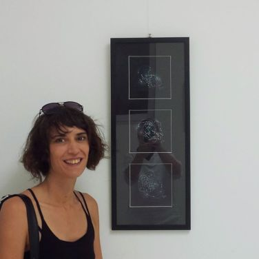 Lena Franolić i njen rad Esencije, 2017, galerija Šilo 2018 / Lena Franolić and her work Essentials, gallery Šilo, 2018 / Lena Franolić und ihr Werk Anfangsgrunde, 2017, gallerie Šilo, 2018