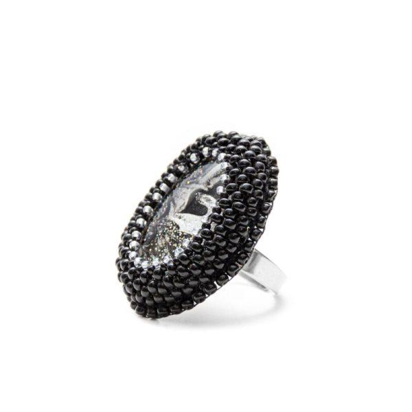 črno srebrni prstan iz perlic