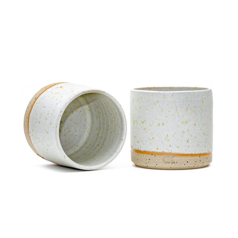 Bela skodelica brez ročaja, Daša's pottery