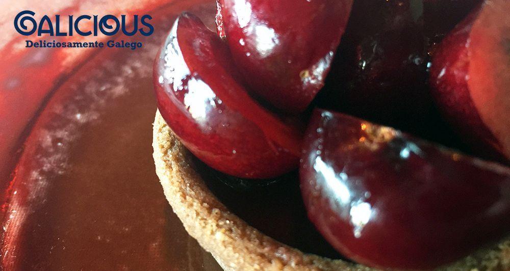 Tartaleta de cerezas y chocolate ( Restaurante Alborada | Iván Domínguez )
