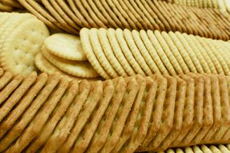 crackers-platter