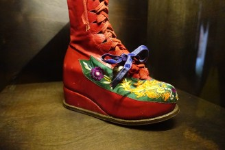 Frida's decorated boot for her polio-afflicted leg.