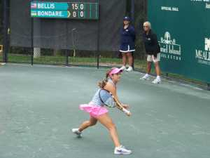 15 year old rising youngster Catherine Bellis with a nice backhand return.
