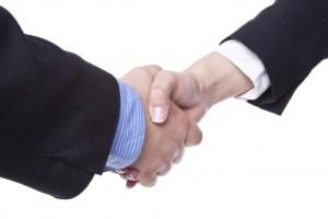 Handshake W-M FreeDigitalPhotosNet-adamr
