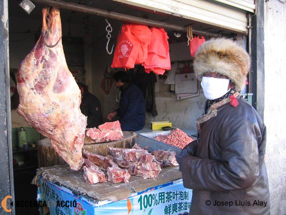 090122-parada-de-carn-al-mercat-de-lhasa-41803